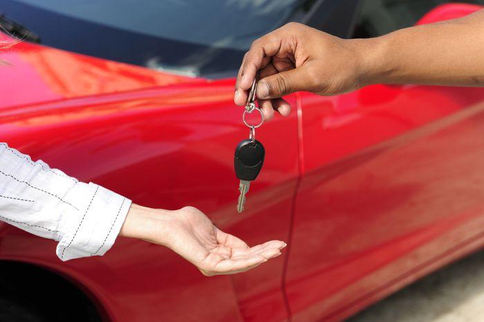Срок прохождения то после покупки нового автомобиля