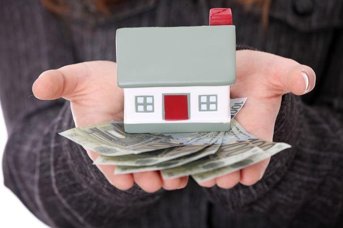 продаю квартиру предлагают ипотеку сдавленно