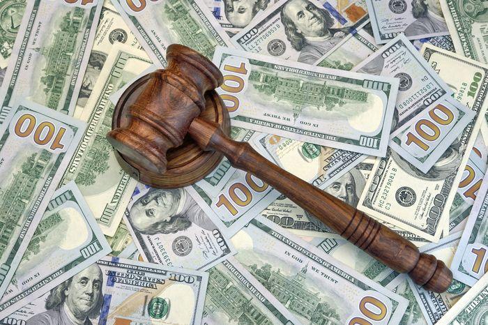 Пени и штрафы – как банки наказывают за нарушение условий договора