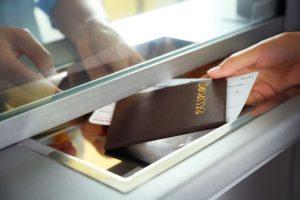 Спасите свой отпуск! Как проверить запрет на выезд за границу?