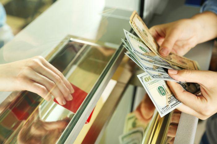 оплата долгов ЖКХ через банк