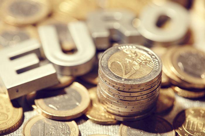 Впервые за последний год ЕВРО достиг отметки в 70 рублей