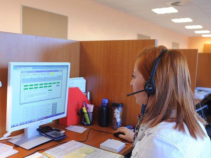 Служба поддержки клиентов Сбербанка по телефону горячей линии контактного центра