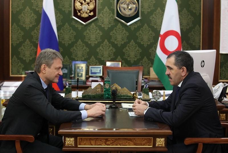 Александр Ткачев посетил Республику Ингушетия и встретился Юнус-Беком Евкуровым