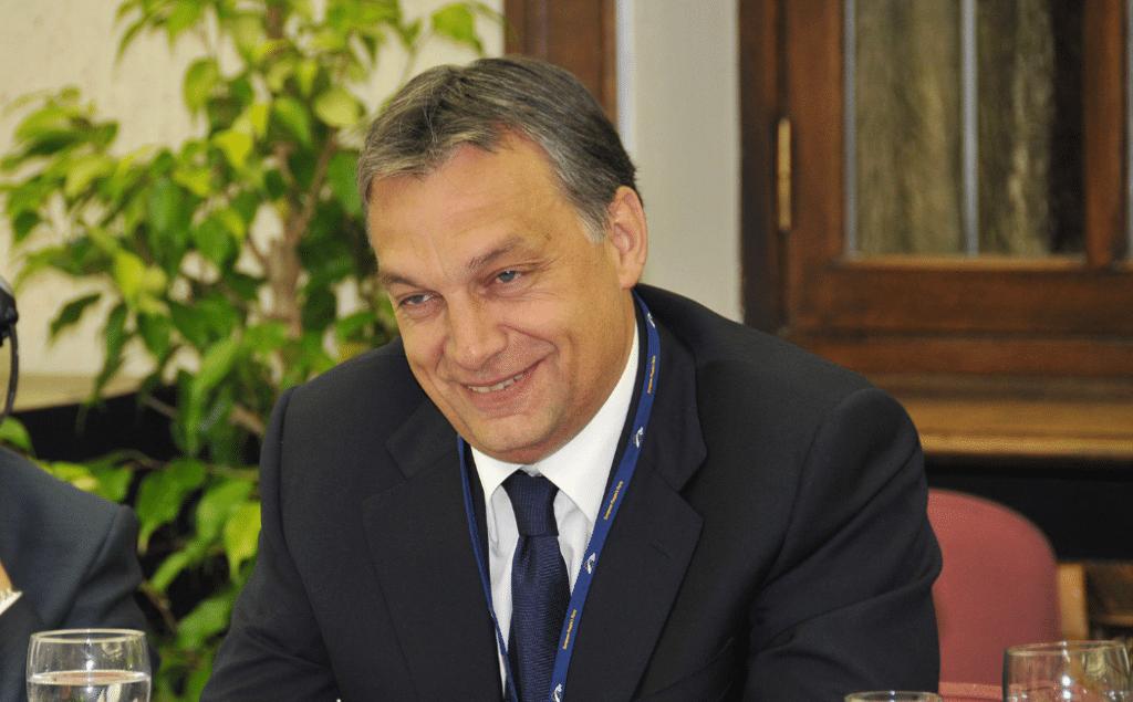 Победа Виктора Орбана в парламентских выборах