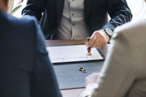 Развод супругов — кому достанутся долги по кредитам и ипотеке?