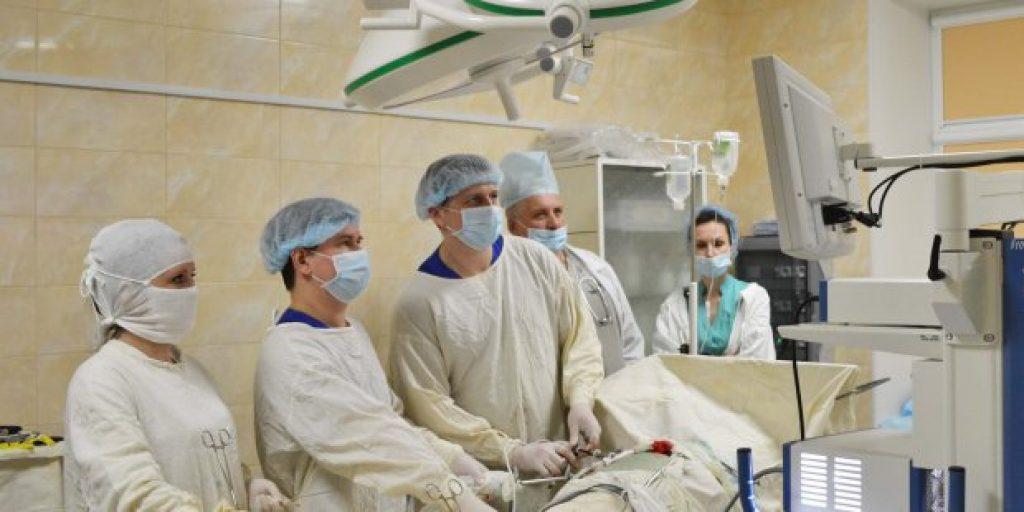 ВЦИОМ: профессия врача в РФ – самая престижная. Почему?