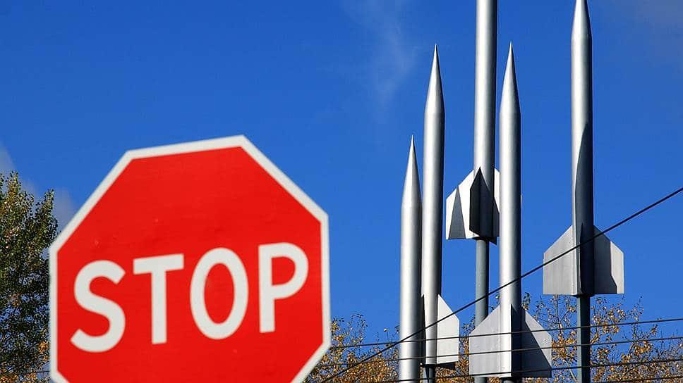 Эксперт о непредсказуемой тактике США по ДРСМД