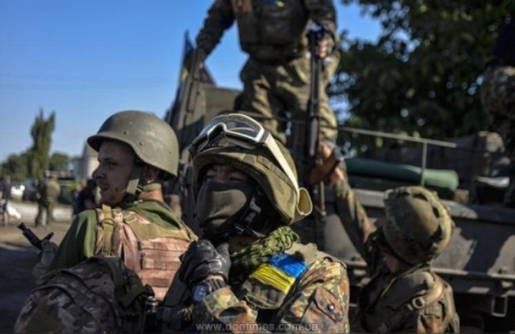 Эксперт о возможном введении военного положения на Украине