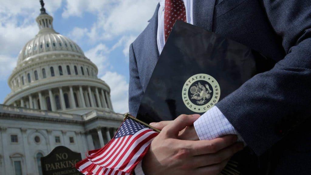 Эксперт об осуждающей Россию резолюции Сената США