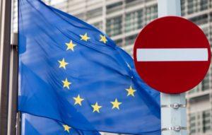 Эксперт о заявлении Меркель по продлению санкций против России