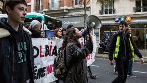 Эксперт о расследовании «причастности России» к протестам в Париже