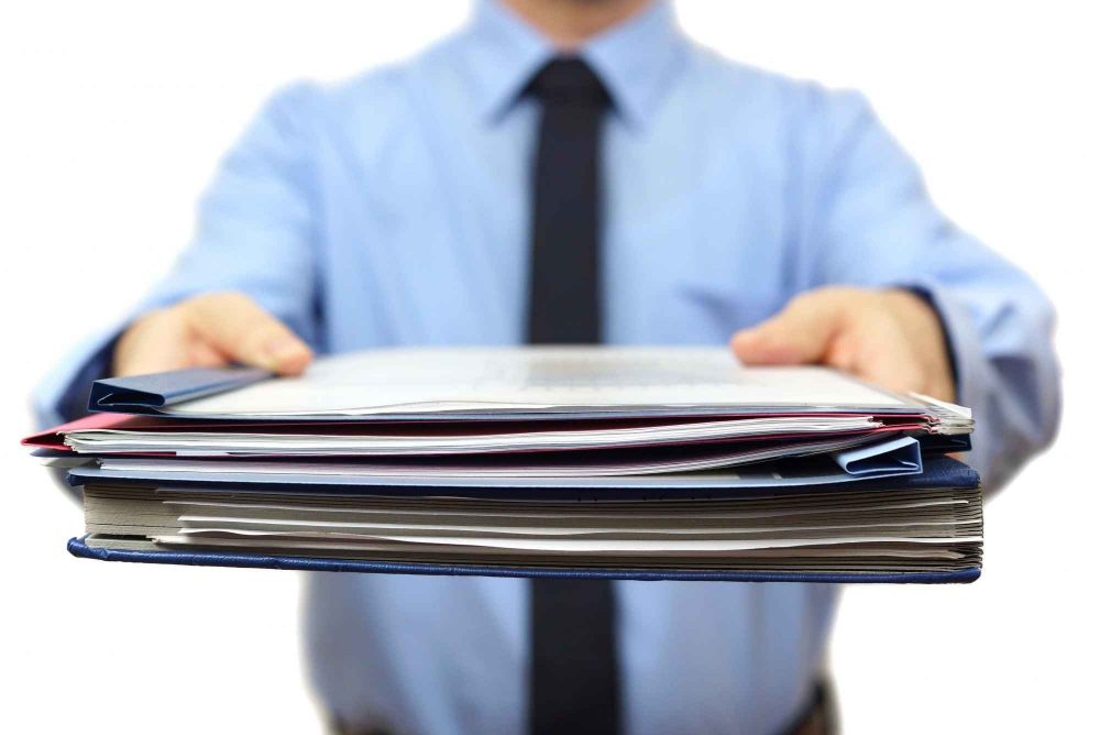 Через новый налог «на самозанятых» работников выводят за штат