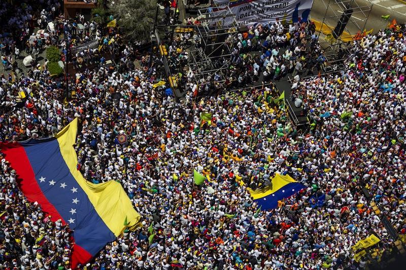 Эксперт об отказе Мадрида поддержать военное вмешательство в Венесуэлу