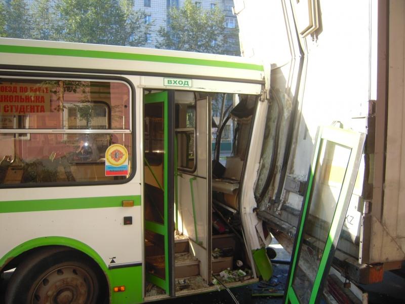 С 2020 году пассажирские автобусы будут оборудовать подушкам безопасности