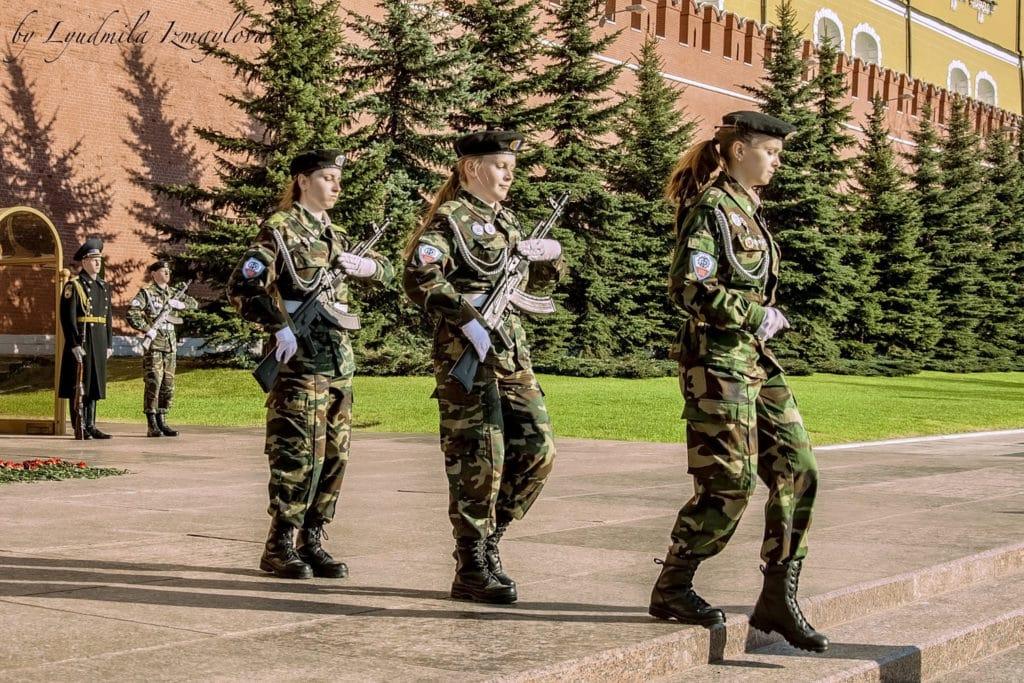 Кабмин проиндексировал отдельные выплаты военным и полицейским на 4,3