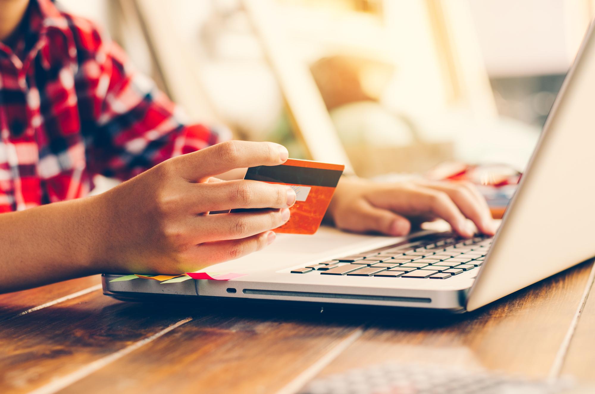 Как взять кредит онлайн в сбербанке на зарплатную карту visa