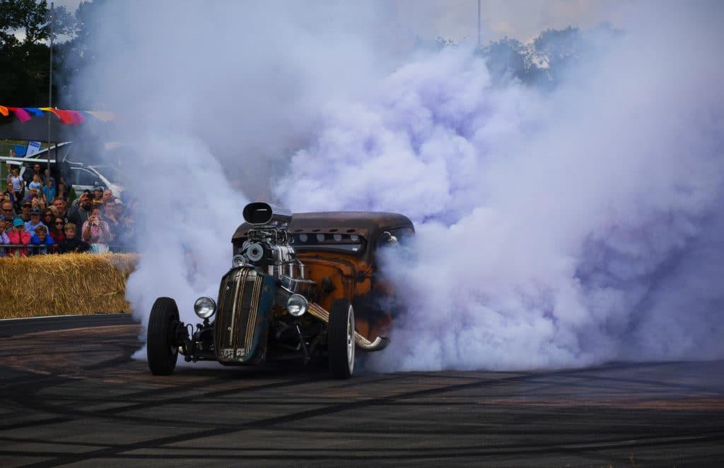 Езду на автомобилях с неэкологичным выхлопом могут запретить