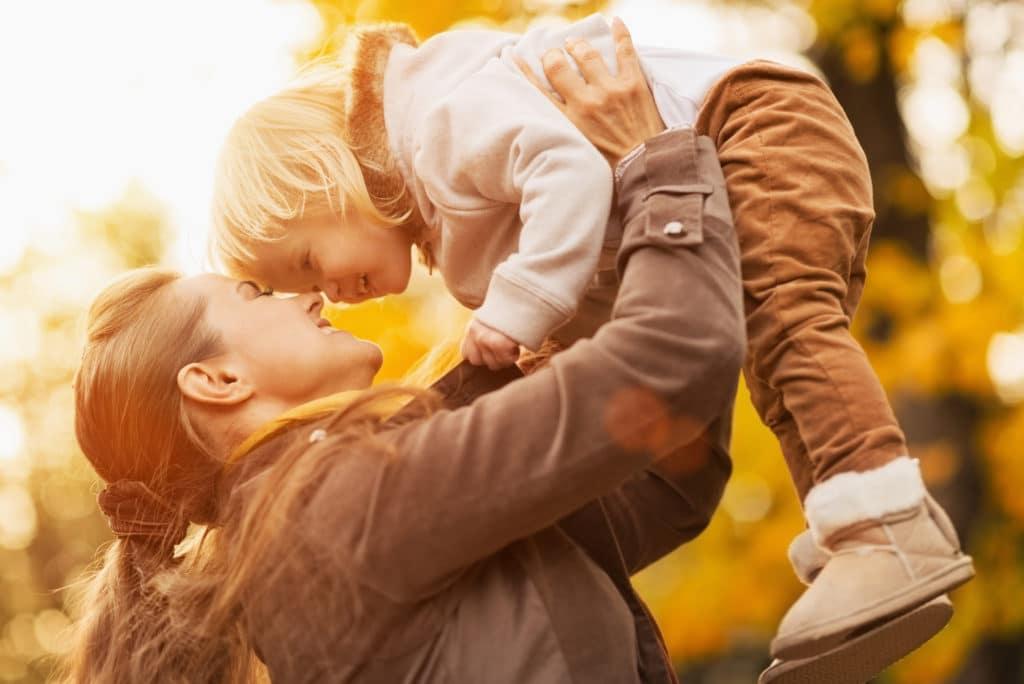 Семьи с детьми получат еще больше денег и льгот. Разбираемся в последних нововведениях