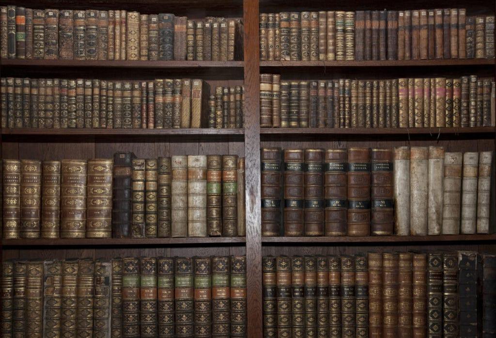 Старые книги — что с ними можно сделать?