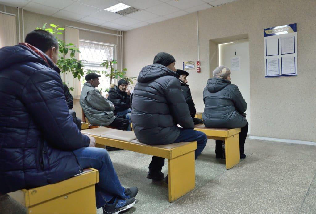 Минимальное пособие по безработице предлагают увеличить до 12 тысяч рублей, но точно не в этом году