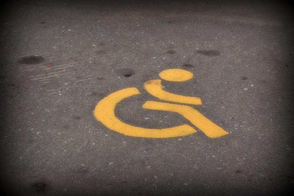 Работодателей заставят принимать на работу инвалидов, угрожая крупными штрафами