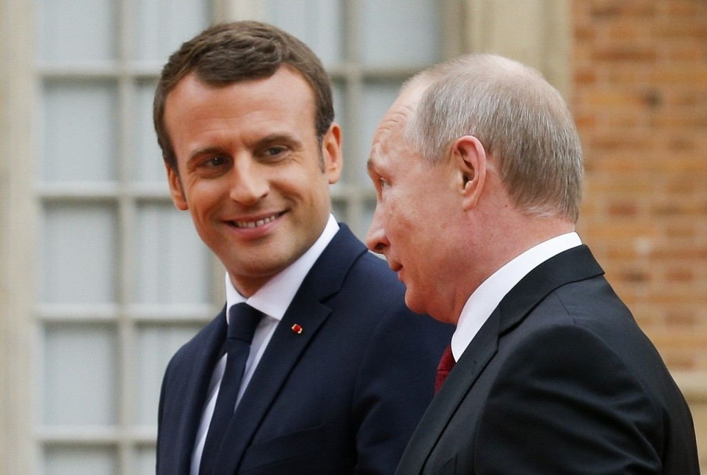 Общаясь с Путиным, Макрон вновь продемонстрировал поиск общих подходов