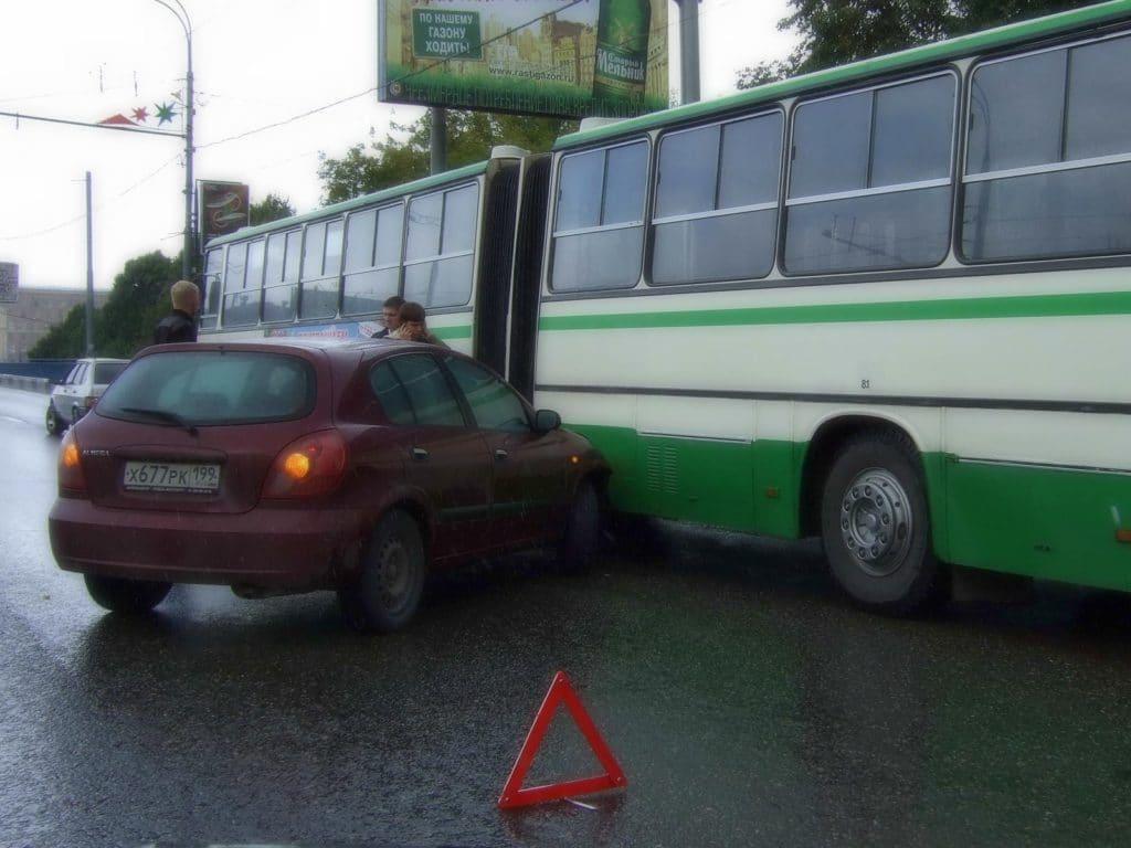 Теперь при аварии даже с серьезным ущербом можно обойтись лишь европротоколом и не вызывать ГИБДД
