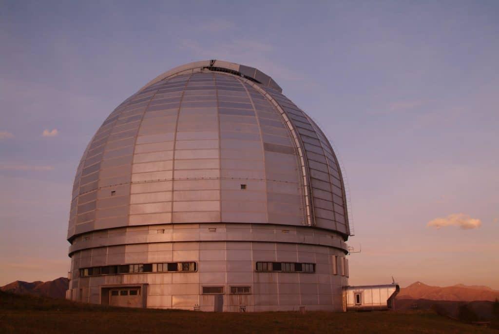 В российской обсерватории установили новое зеркало за 250 миллионов, а потом вернули старое