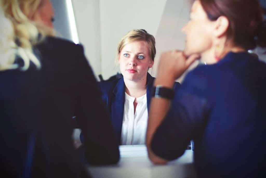 Куда пойти работать человеку без опыта?