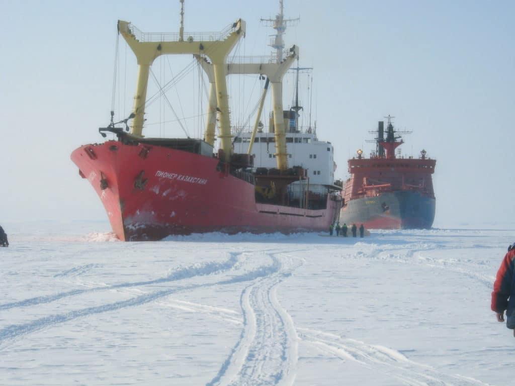 Зачем России развивать Арктику? История освоения и современные проекты на Севере