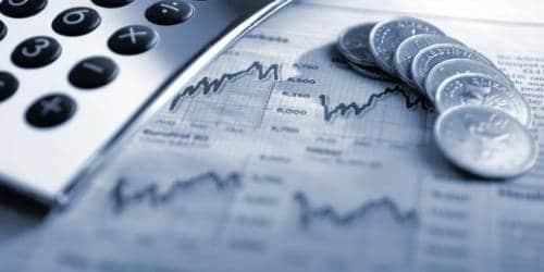 Пока российские банки получают рекордную прибыль, экономика и доходы населения не растут