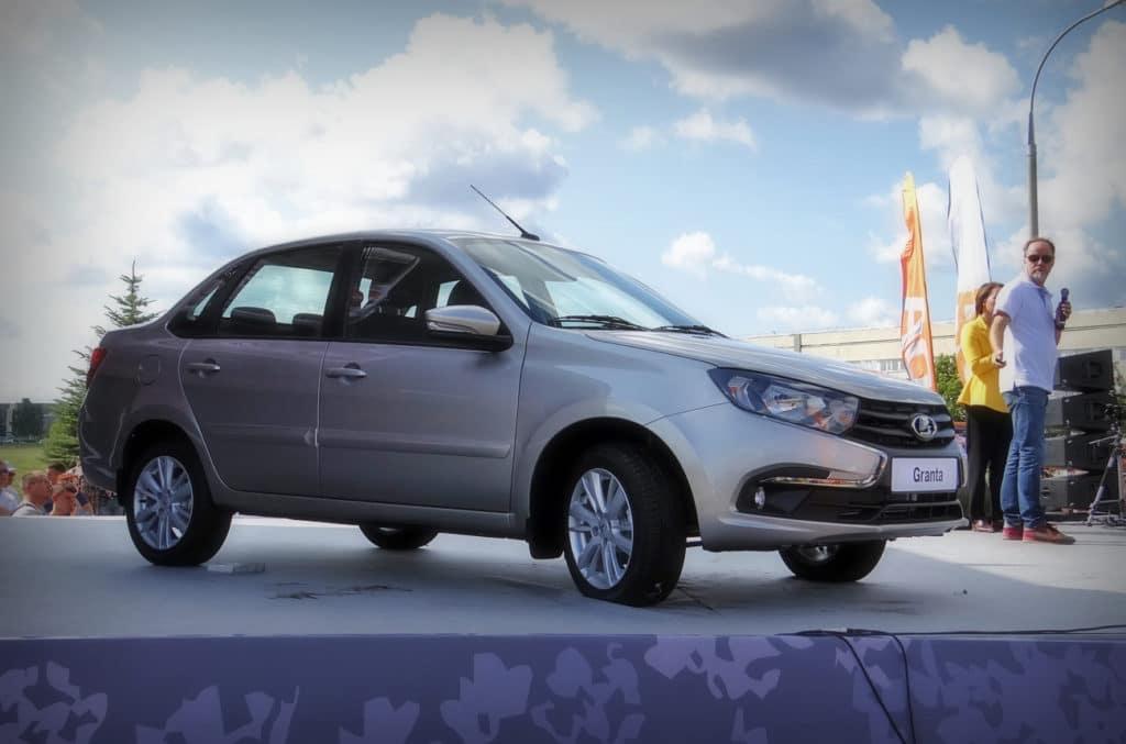 В 2020 году сохранится скидка в 10% на автомобили российского производства