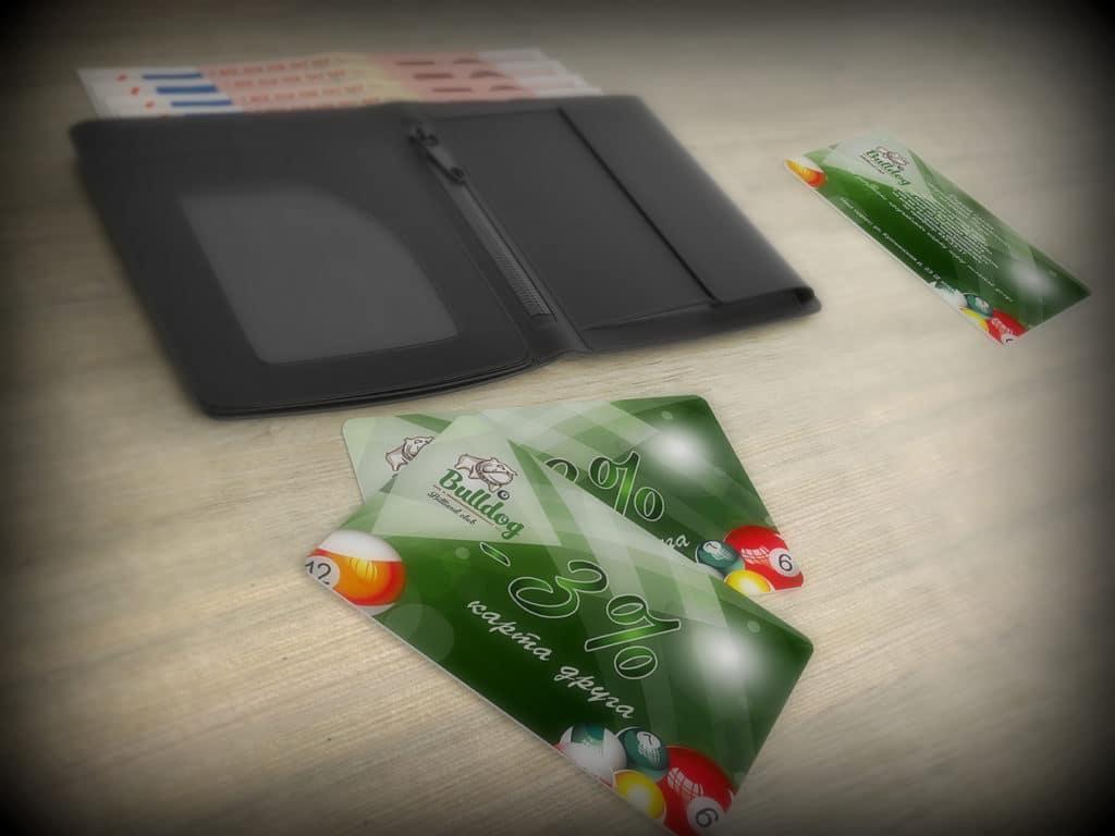 Одноразовая банковская карта – вариант подарка вместо денег в конверте