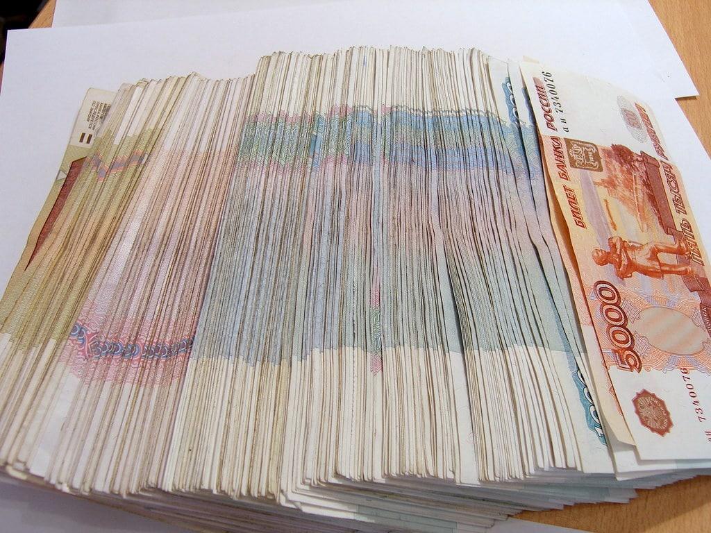 Сразу после проверки Центробанком из банка «Невский» вынесли 3 миллиарда рублей наличными