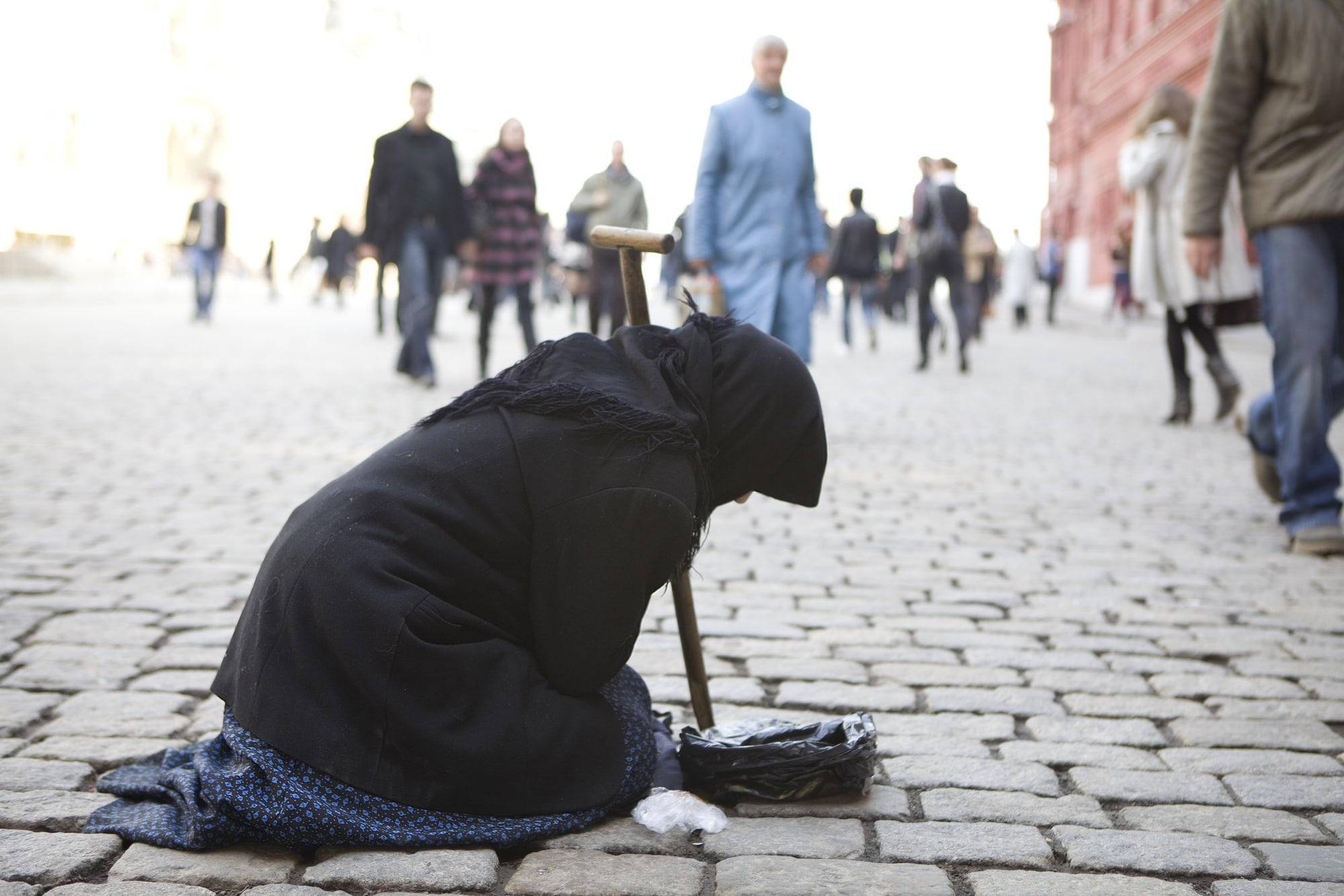 В России 19 миллионов бедных, но смогут ли власти что-то с этим сделать? Мы спросили у экспертов