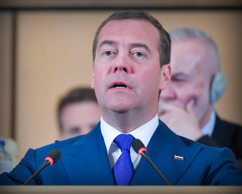 Дмитрий Медведев на еще несуществующей должности зарабатывает более 600 тысяч рублей в месяц