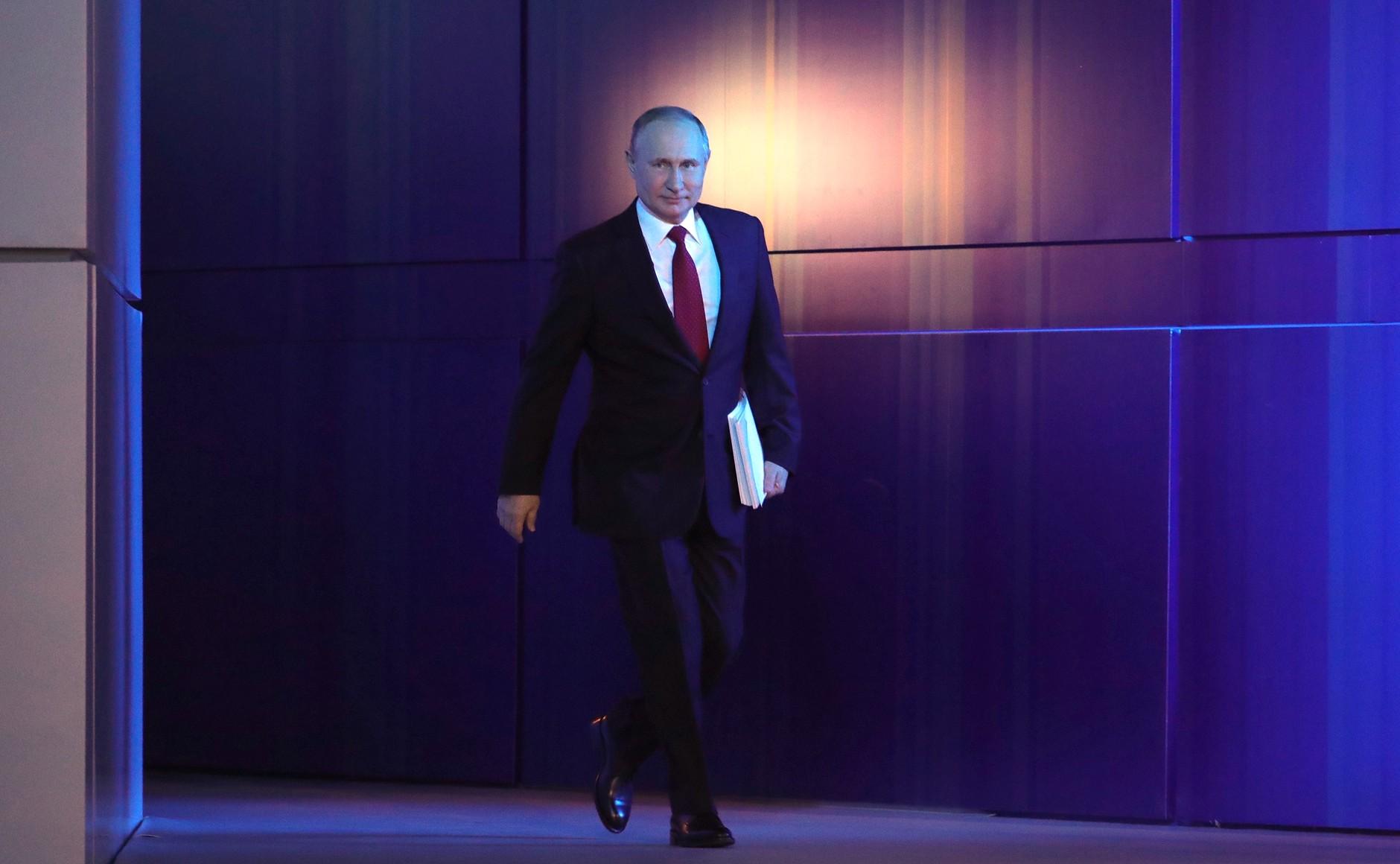Путин пообещал увольнять чиновников за отказ от индексации пенсий
