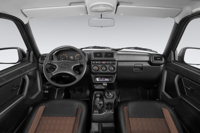 АвтоВАЗ начал продажи обновленной модели Lada 4×4 и объявил цены на нее