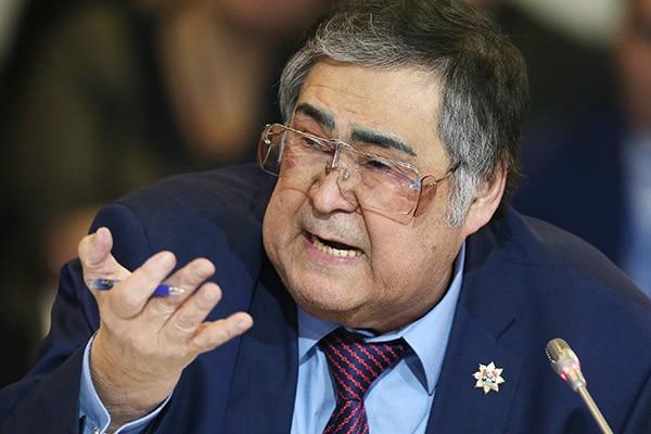Бывшие губернаторы получают сотни тысяч рублей пенсий, которые сами себе выписывают
