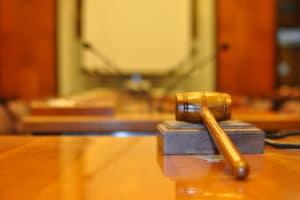 Суду присяжных отдадут больше дел. Объясняем, почему это важно
