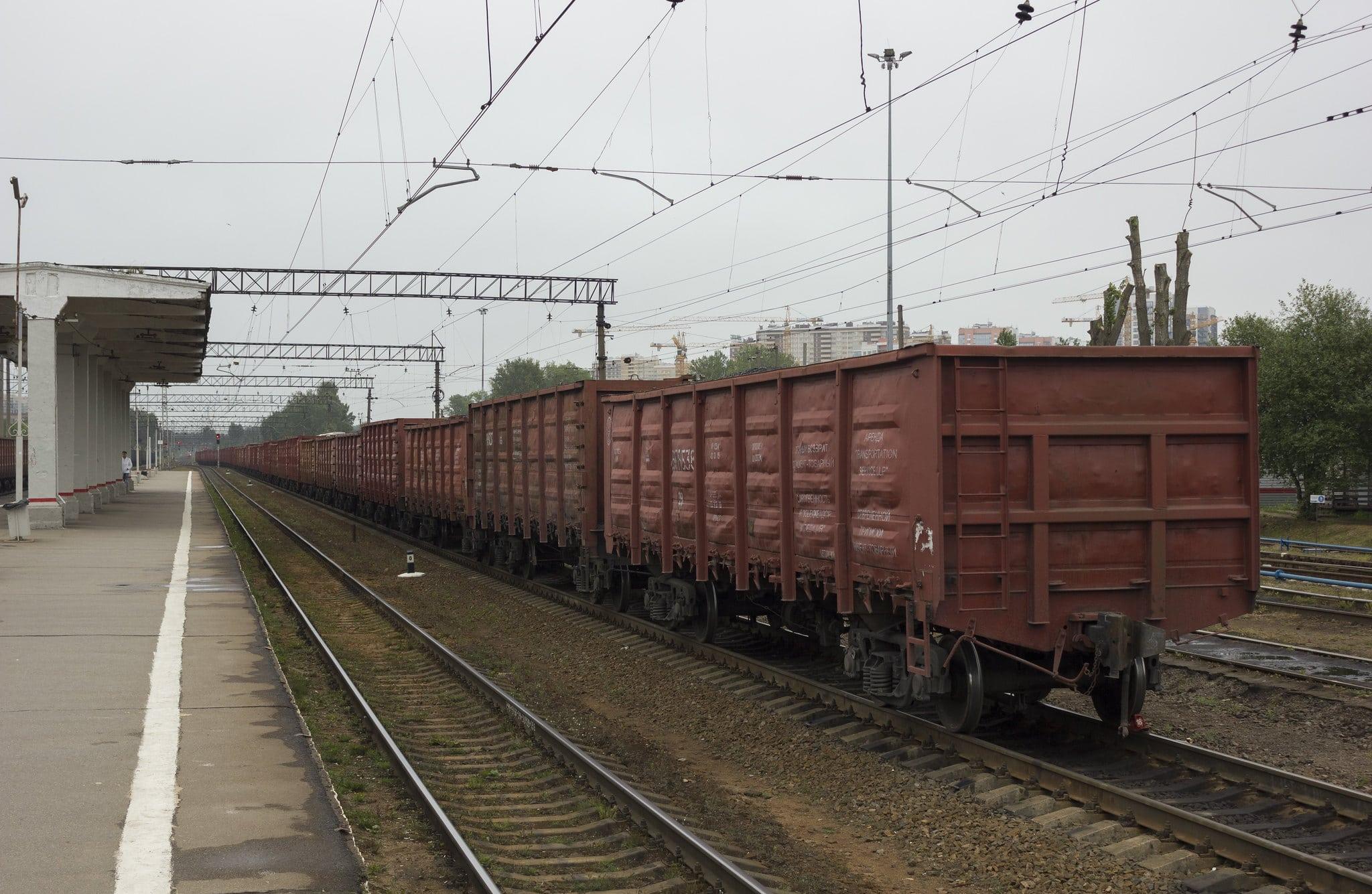 Кризис в грузовом движении РЖД: каждые сутки простаивает 1800 поездов