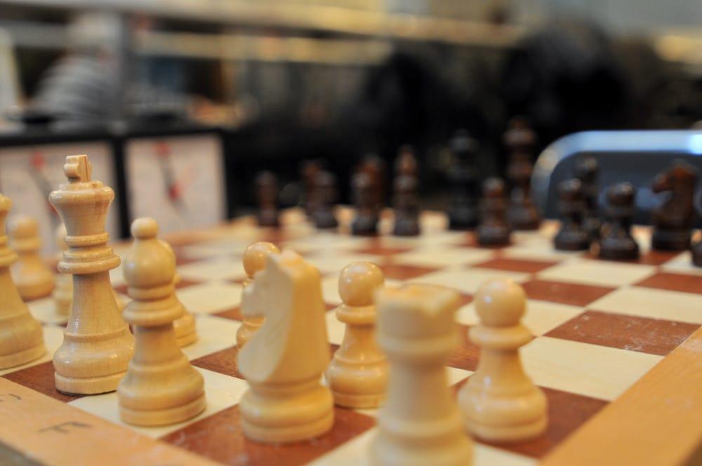 С какого возраста стоит заниматься шахматами и зачем это нужно? Объясняет тренер по шахматам для детей