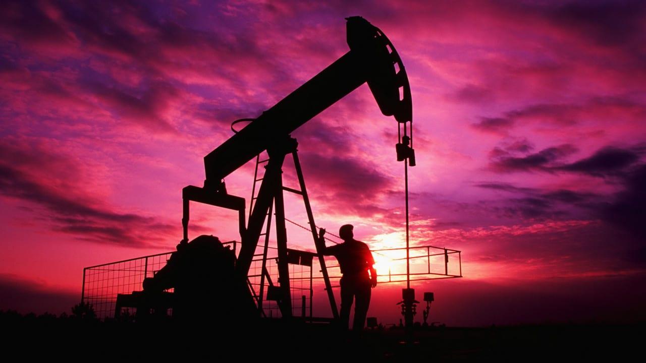 Ирак и Кувейт снизили апрельские цены на нефть