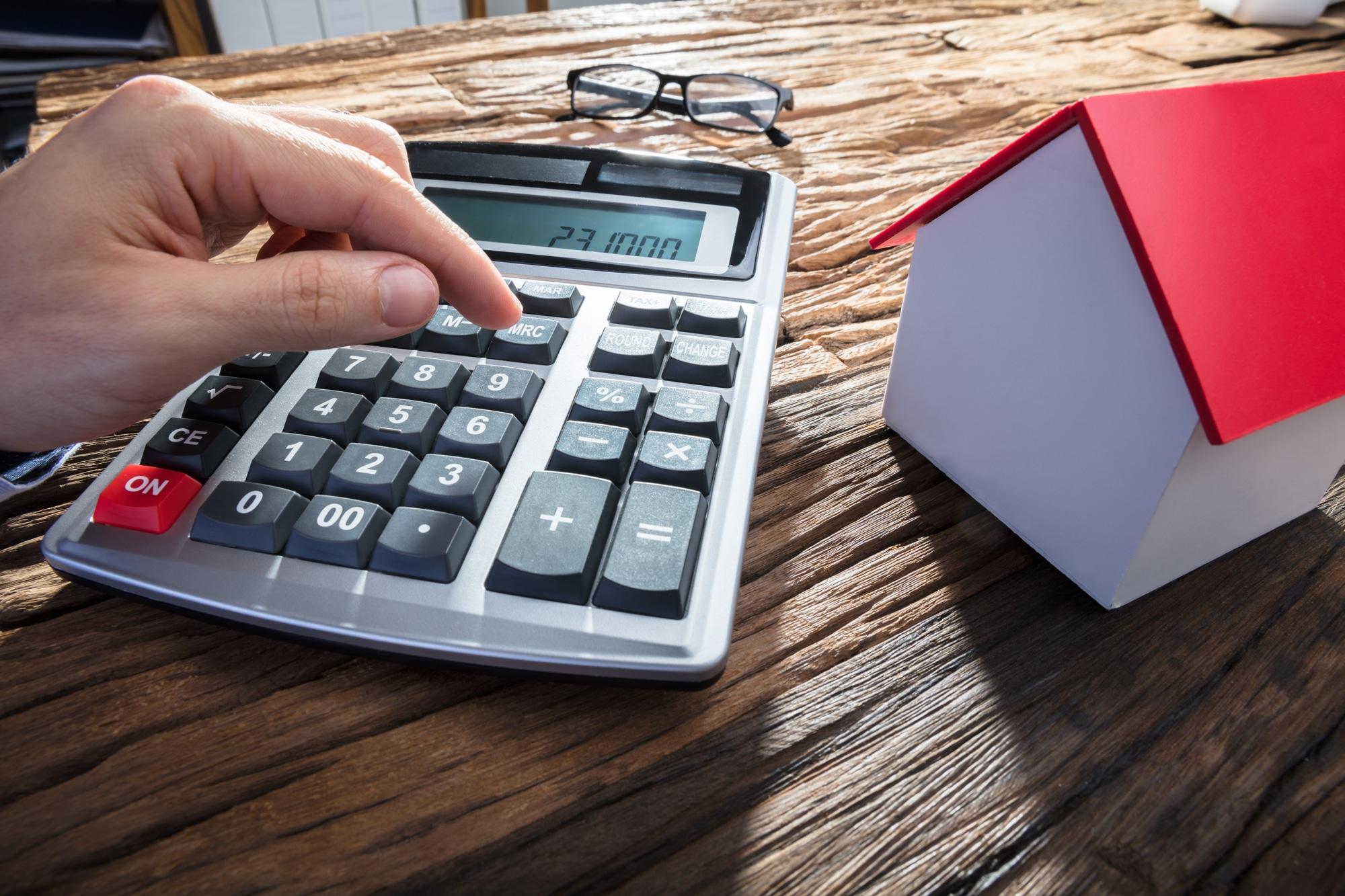 Продать жилье раньше, чем через 5 лет владения и не заплатить НДФЛ: такое возможно?