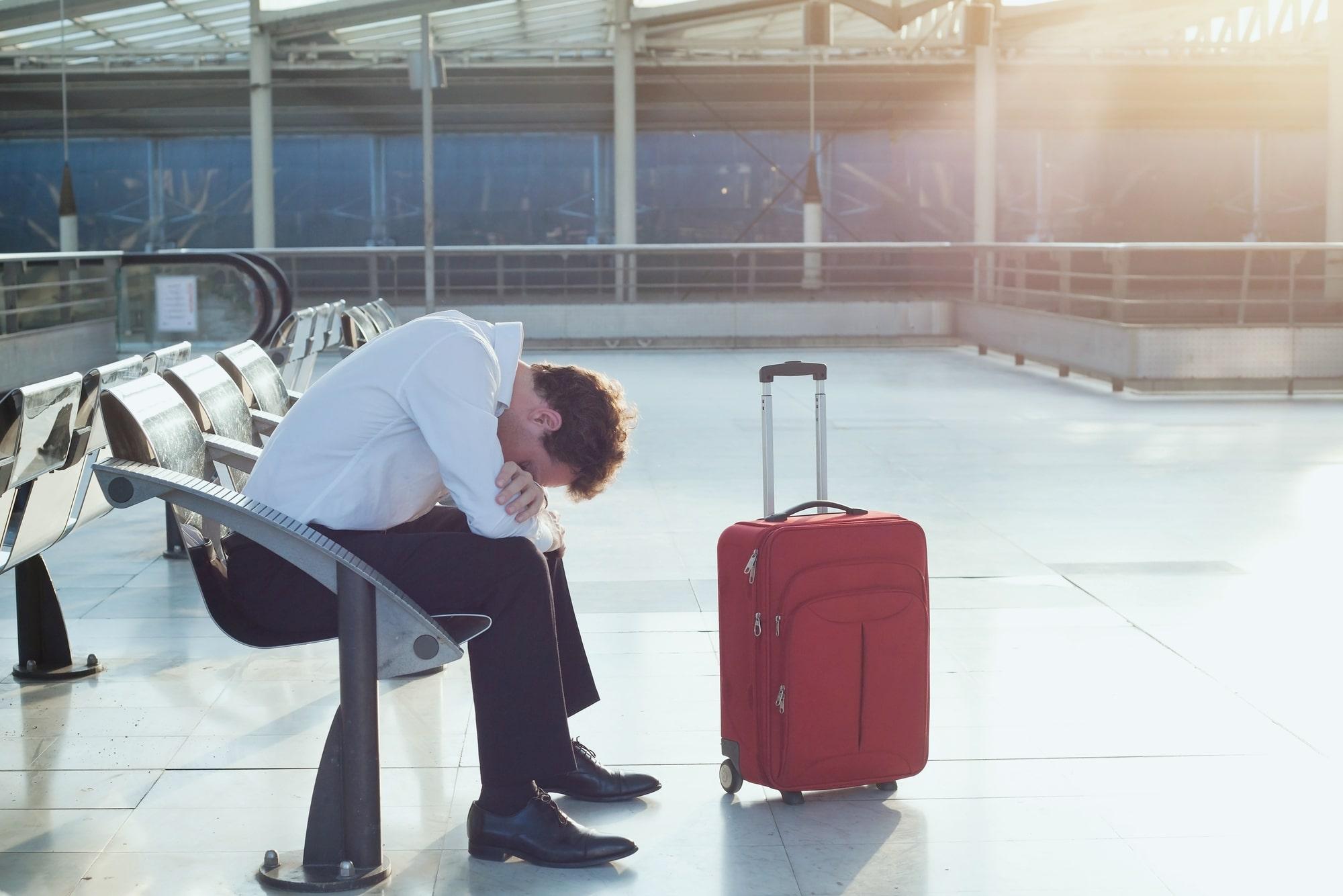 Коронавирус ставит на паузу и внутренний туризм: уже отменено около половины поездок по России