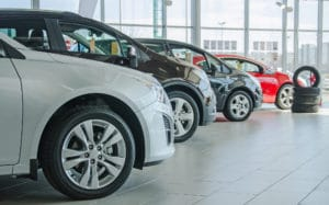 Новые автомобили никогда не дешевели и сегодня дешеветь не будут. Эксперт о перспективах рынка новых автомобилей