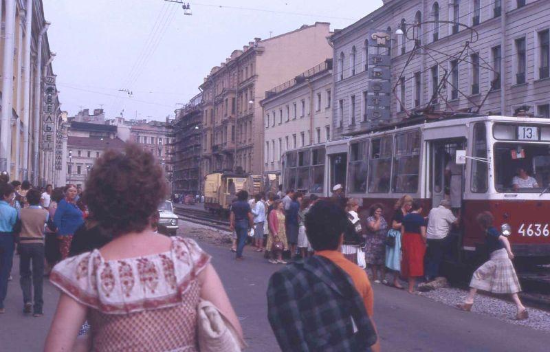Сколько стоил проезд в разных видах транспорта при СССР? Сравниваем цены тогда и сейчас